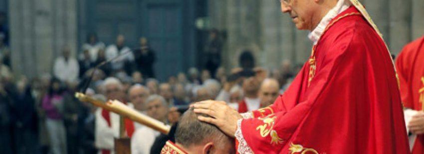 El cardenal Tarcisio Bertone ordena arzobispo a José Rodríguez Carballo