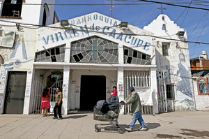 villa miseria en Buenos Aires parroquia Virgen de Caacupé
