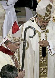 consagración episcopal de Juan Antonio Menéndez obispo auxiliar de Oviedo, con Jesús Sanz, 8 junio 2013