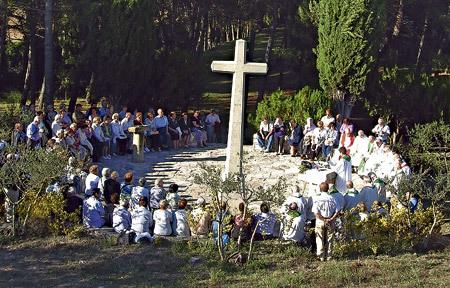 acto anual en Cervera (Lleida) de recuerdo a los mártires claretianos muertos durante la persecución religiosa en España siglo XX