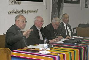 23 Jornadas Nacionales de Delegados de Migraciones 2013, mesa redonda con obispos