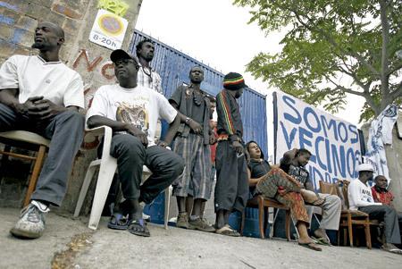 grupo de inmigrantes en España