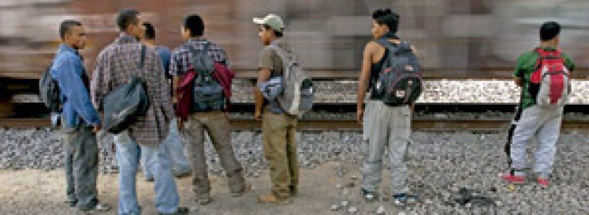 migrantes centroamericanos en México para coger un tren a los Estados Unidos