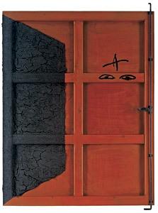 Porta Roja, obra de Antoni Tàpies