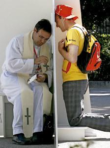confesión de un joven durante la JMJ 2011 Madrid