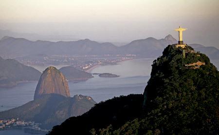 vista de Río de Janeiro desde el monte de Corcovado donde está la escultura de Cristo
