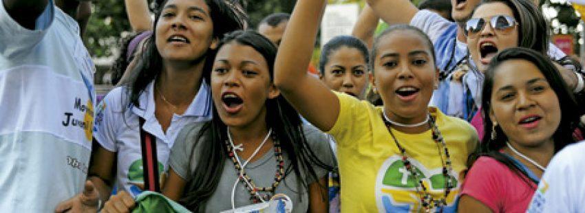 jóvenes participantes en la JMJ Río 2013