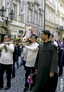 procesión por Praga del Niño Jesús de Praga