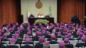 Papa Francisco con obispos de Brasil en Centro de Estudios de Sumaré, Río de Janeiro