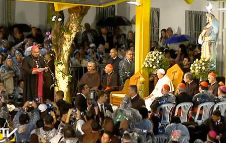 papa Francisco visita hospital Río de Janeiro 2013