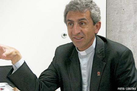 Raed Abu Sahlia, sacerdote palestino y director de Cáritas Jerusalén