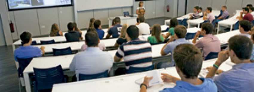 Universidad Loyola Andalucía, jornada de acogida septiembre 2013