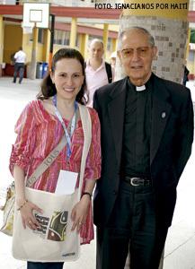 Ignacianos por Haití, Johanna Ríos con Adolfo Nicolás