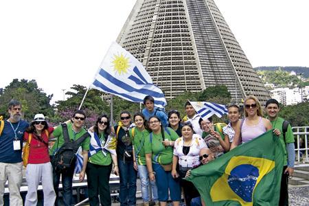 jóvenes uruguayos en la JMJ Río 2013