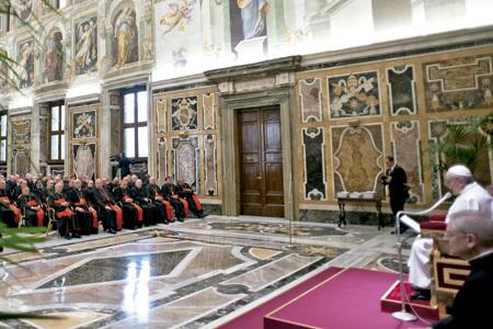 papa Francisco habla al Colegio de Cardenales Sala Clementina 15 de marzo 2013