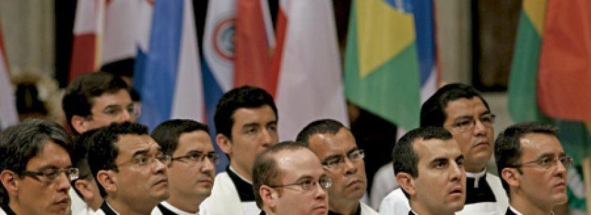 grupo de sacerdotes