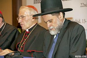 cardenal Antonio M. Rouco Varela y Moisés Bendahan, presidente del Consejo Rabínico de España, en la 22 reunión del comité de enlace judeo-católico Madrid octubre 2013