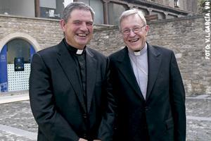 cardenal Walter Kasper con el decano José Antonio Badiola en la inauguración del curso 2013 Facultad de Teología del Norte de España