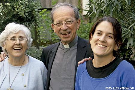 Magdalena Riva, Anastasio Gil y Carmen Aranda, misioneros en los Encuentros Vida Nueva Domund 2013