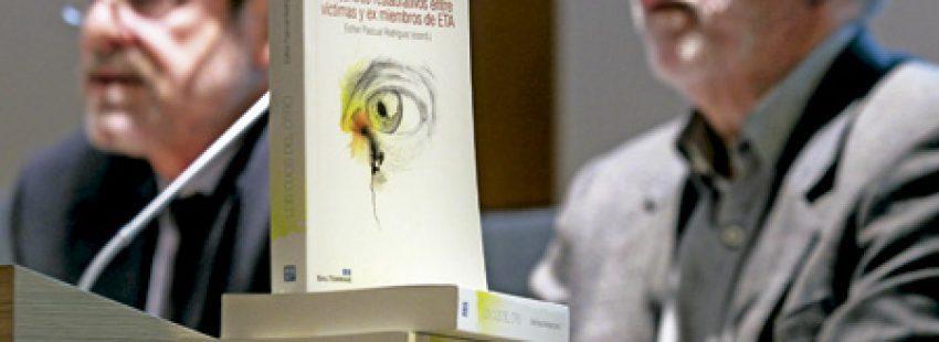 presentación del libro Los ojos del otro, encuentros entre víctimas de ETA y exmiembros de la banda terrorista