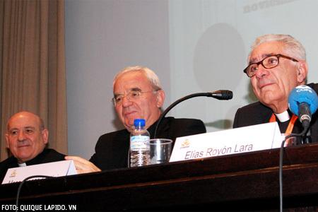 Elías Royón, Vicente Jiménez y Renzo Fratini en la inauguración de la XX Asamblea General de CONFER 12 noviembre 2013