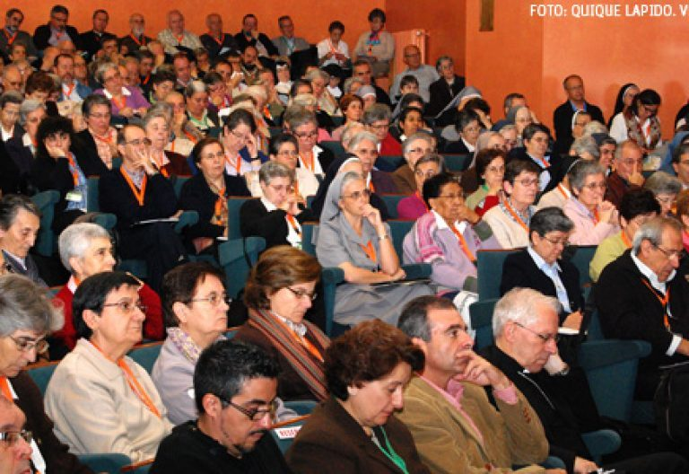 asistentes a la inauguración de la XX Asamblea General CONFER 12 noviembre 2013