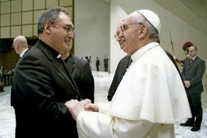 José María Gil Tamayo, nuevo secretario general de la CEE, con el papa Francisco
