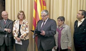 Núria Gispert, presidenta del Parlament de Cataluña, con las entidades cristianas que se han adherido al Pacto Nacional por el Derecho a Decidir