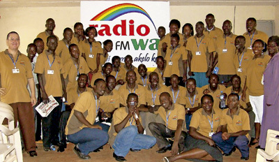 Equipo de Radio Wa, emisora eclesial en Uganda