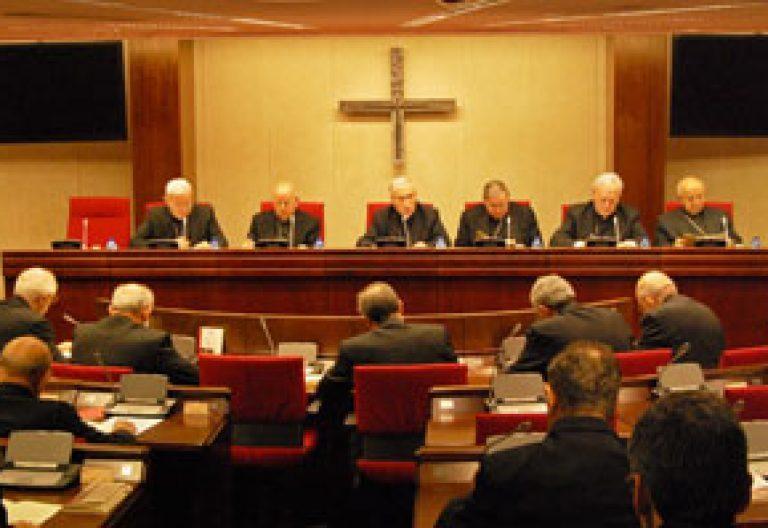 Obispos en la CII Asamblea Plenaria de la Conferencia Episcopal Española