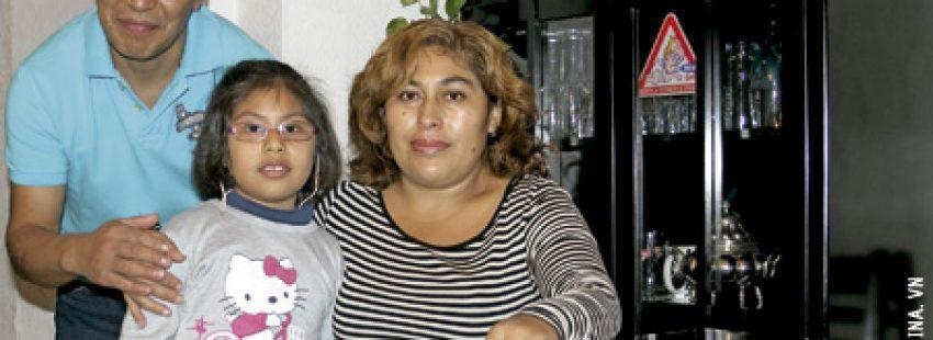 familia de inmigrantes bolivianos en España en un piso de acogida del Centro Pueblos Unidos