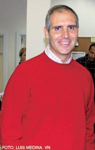 Alberto Ares, jesuita, director del centro Pueblos Unidos
