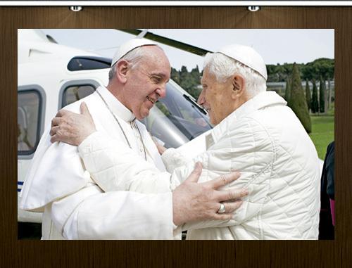 abrazo entre el papa Francisco y el papa emérito Benedicto XVI