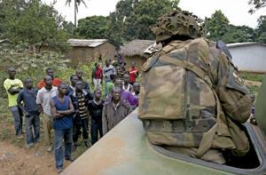 soldados franceses en Bangui República Centroafricana después de oleada de violencia diciembre 2013