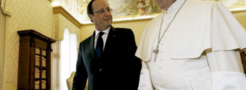 papa Francisco y François Hollande, presidente de Francia, en el Vaticano 24 enero 2014