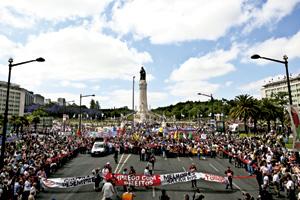 manifestación de trabajadores en las calles de Lisboa, Portugal