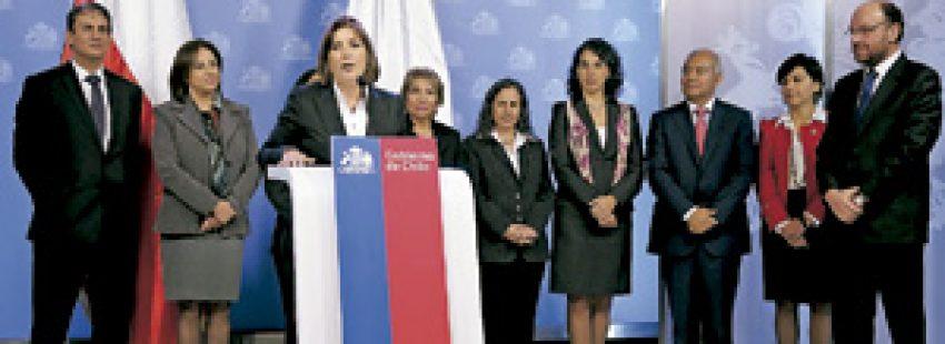 delegaciones de políticos de Chile y Perú para hablar de los límites marítimos entre ambos países mayo 2013