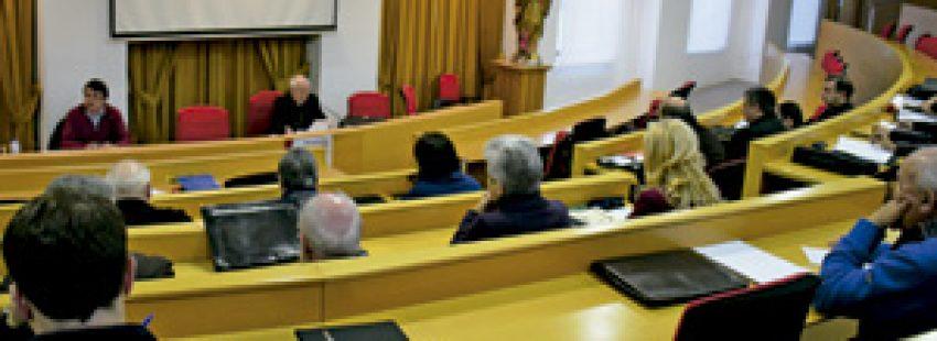 reunión del Sínodo diocesano en Santiago de Compostela