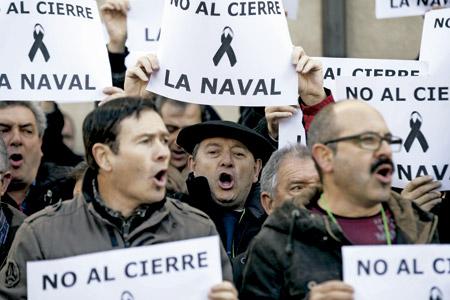 protesta de trabajadores contra el cierre de la industria naval