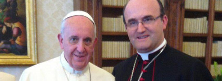 papa Francisco con José Ignacio Munilla, obispo de San Sebastián, durante la visita ad limina 2014