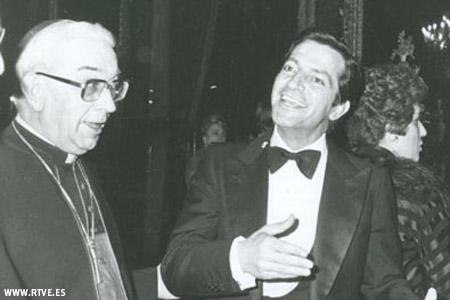 cardenal Vicente Enrique y Tarancón y el presidente del Gobierno Adolfo Suárez