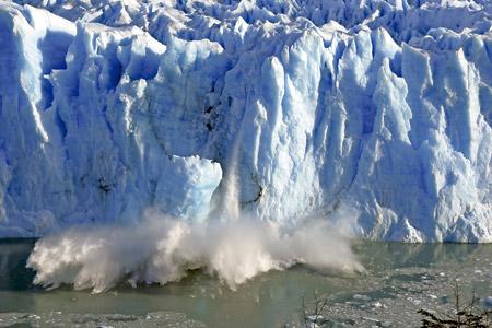 deshielo en el glaciar del Perito Moreno en Argentina