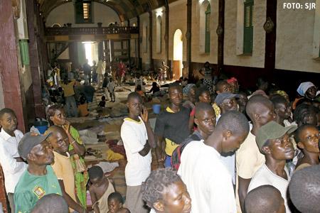 República Centroafricana desplazados se refugian en la iglesia parroquial de Saint Paul