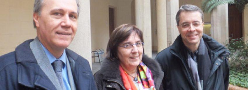 Jaume Castro, Anna Almuni y Cinto Busquet mesa redonda Vida Nueva Catalunya sobre nuevos movimientos marzo 2014