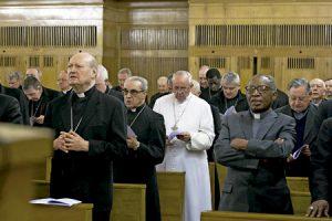papa Francisco en los ejercicios espirituales con la Curia 2014