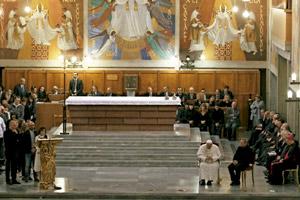 papa Francisco en una vigilia de oración junto con las víctimas de la mafia marzo 2014