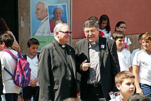 El obispo Lorca y García Domene durante la jornada infantil de Murcia.