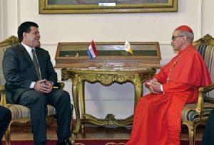 El presidente paraguayo con Santos Abril.