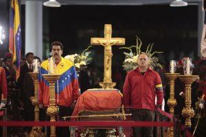 Maduro y Cabello en el funeral de Chávez.