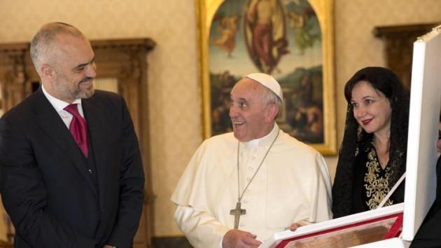 El presidente de Albania en el Vaticano.